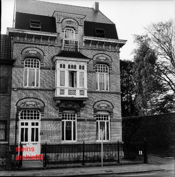 Laroy Door: Gebouwen En Patrimonium > Markante Huizen